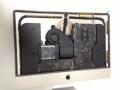 21.5インチ新型iMacが早速分解されました!意外と中身も薄い!