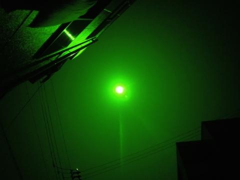 パターン3:カメラレンズに太陽グラスを密着させ撮影