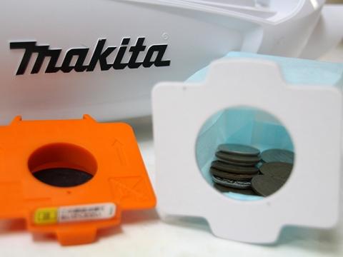 マキタ ハンディクリーナー CL182FD 驚異の吸引力 10円玉/100円玉の回収完了
