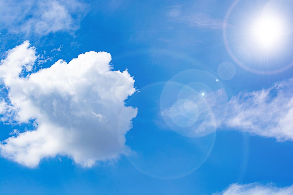 高出力で曇り空でも発電可能