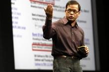 グーグルの検索関連最高責任者、アミット・シンガル氏