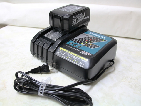 バッテリーBL1830と充電器DC18RC